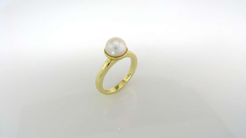 Bague Perle 10k jaune serti d'une perle de 7.4 mm