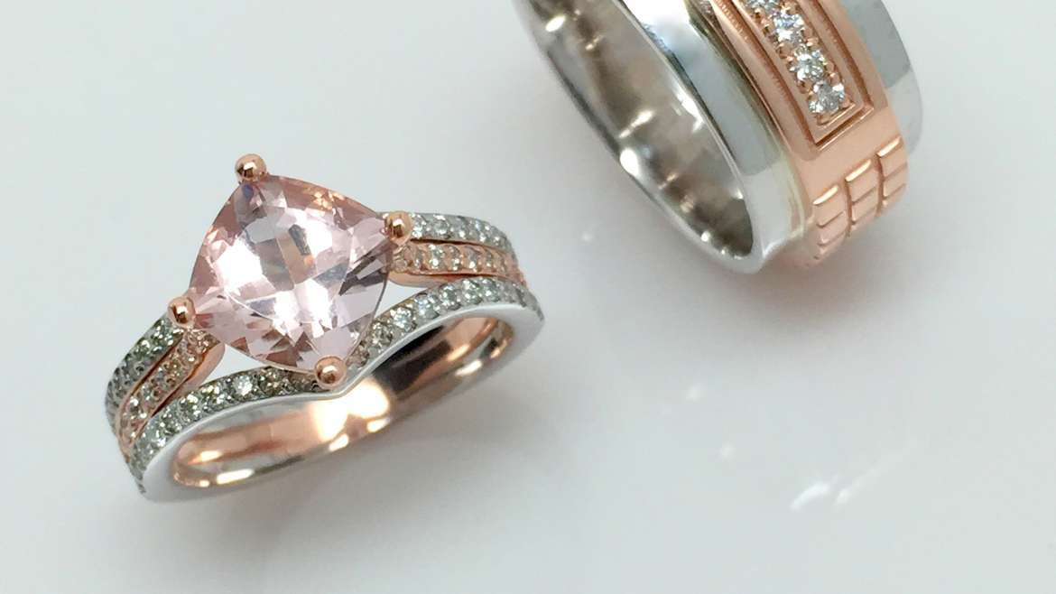 alliance or blanc et rose avec morganite et diamants
